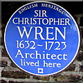 TQ1568 : Sir Christopher Wren blue plaque, Old Court House, Hampton Court Road, East Molesey by Jaggery
