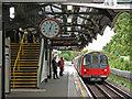 TQ2090 : Burnt Oak tube station (2) : Week 40