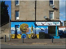 NS4075 : Cafe with new mural by Lairich Rig