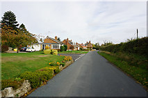 SE9947 : Thorpe (road) Lockington by Ian S