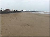 ST3049 : Burnham-On-Sea Beach by Shaun Ferguson