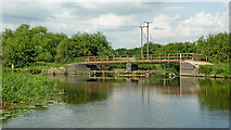 SK5815 : Footbridge by weir near Mountsorrel in Leicestershire by Roger  Kidd