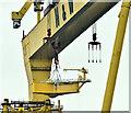 "J3575 : ""Samson"" lifting, Belfast (November 2018) by Albert Bridge"