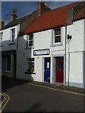 NO5603 : The Wee Neuk tearoom on Cunzie Street by Richard Law