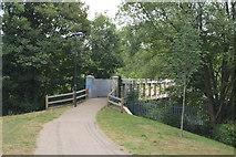 TQ5940 : Footbridge to Grosvenor Park by N Chadwick