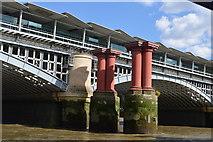 TQ3180 : Blackfriars Railway Bridge by N Chadwick