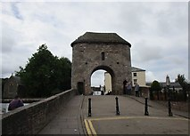 SO5012 : Monnow Bridge and Gateway by Jonathan Thacker