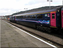 SS6593 : Paddington train in Swansea station by Jaggery