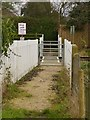 SE6322 : Pedestrian level crossing by Alan Murray-Rust