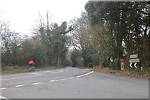 TQ4894 : New Road at the junction of Manor Road by David Howard