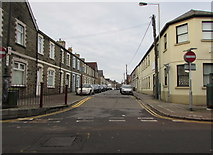 ST1586 : West along Windsor Street, Caerphilly by Jaggery