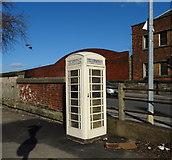 TA0828 : K6 telephone box on Anlaby Road, Hull by JThomas