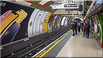 TQ2980 : Platform, Piccadilly Circus Underground Station by Rossographer