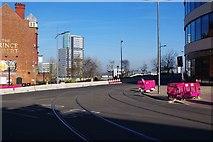 SO9198 : Tram tracks turning into Railway Drive, Wolverhampton by P L Chadwick