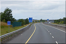 S7781 : Northbound M9 towards Junction 4 by David Dixon