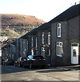 ST0895 : Houses alongside a steep descent, Ynysmeurig Road, Abercynon by Jaggery