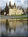 SP1039 : The Bell Inn, Willersey by Philip Halling