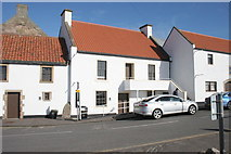 NO5603 : Sun Tavern, East Shore, Anstruther by Richard Sutcliffe