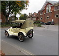 SU1868 : Old-timer on Bath Road, Marlborough by Jaggery