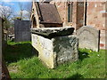 SP2490 : Un-assigned chest tomb in St Cuthbert's churchyard by Richard Law