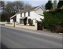 SO1110 : Former Travellers Rest pub, Merthyr Road, Tafarnaubach by Jaggery