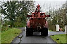 H4277 : Slurry tanker along Lisnagirr Road by Kenneth  Allen