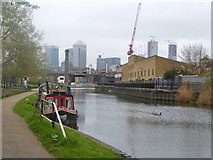 TQ3681 : Regents Canal by Robin Webster
