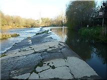 SO5074 : Weir on the River Teme (Ludlow) by Fabian Musto