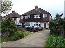TQ0487 : Houses on Moorfield Road, Denham by JThomas