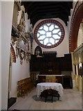 TQ1068 : St Mary, Sunbury-on-Thames: altar (1) by Basher Eyre