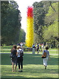 TQ1876 : 'Scarlet & Yellow Icicle Tower' by Dale Chihuly (2013), Kew Gardens by Andrew Curtis