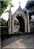 ST3049 : Lychgate entrance to Burnham-on-Sea Cemetery by Jaggery
