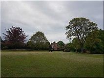 SE6250 : Quiet Place and Derwent Lawns by DS Pugh