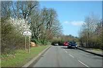 TQ5571 : Parsonage Lane leaves Sutton-at-Hone by Robin Webster