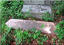 TG2408 : The grave of Reverend John Hallett by Evelyn Simak