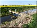 TR0123 : Bridge over White Kemp Sewer on Romney Marsh by Marathon