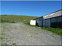 SJ0926 : Sheepshed and a refrigerated container by Richard Law