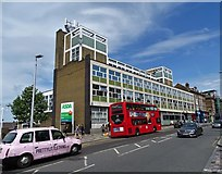 TQ2775 : Battersea Post Office, Lavender Hill by Neil Theasby