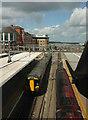 SU7173 : Reading Station by Derek Harper