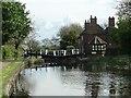 SK4835 : Sandiacre Lock and Lock Cottages, Erewash Canal by Christine Johnstone