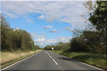 SP6319 : The A41 east of Blackthorn by David Howard