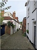 TQ5838 : Tunbridge Wells: down Frog Lane by John Sutton