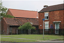 TA1000 : House and stables on Caistor Road, Nettleton by David Howard