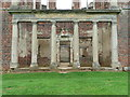 TL0339 : Colonnade at the centre of the west front of Houghton House by Humphrey Bolton