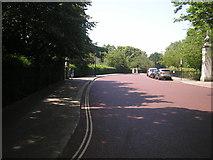 TQ2882 : Inner Circle at the York Bridge junction by Sandy Gemmill