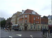 TQ3296 : Bank building, Enfield by JThomas