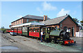 SH5800 : Train at Tywyn Wharf by Des Blenkinsopp