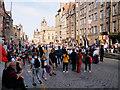 NT2573 : Crowds on Lawnmarket by David Dixon
