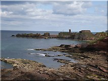 NT6779 : The Mouth of Dunbar Harbour by Jennifer Petrie