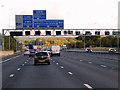 TQ5494 : Overhead Sign Gantry on the Clockwise M25 by David Dixon